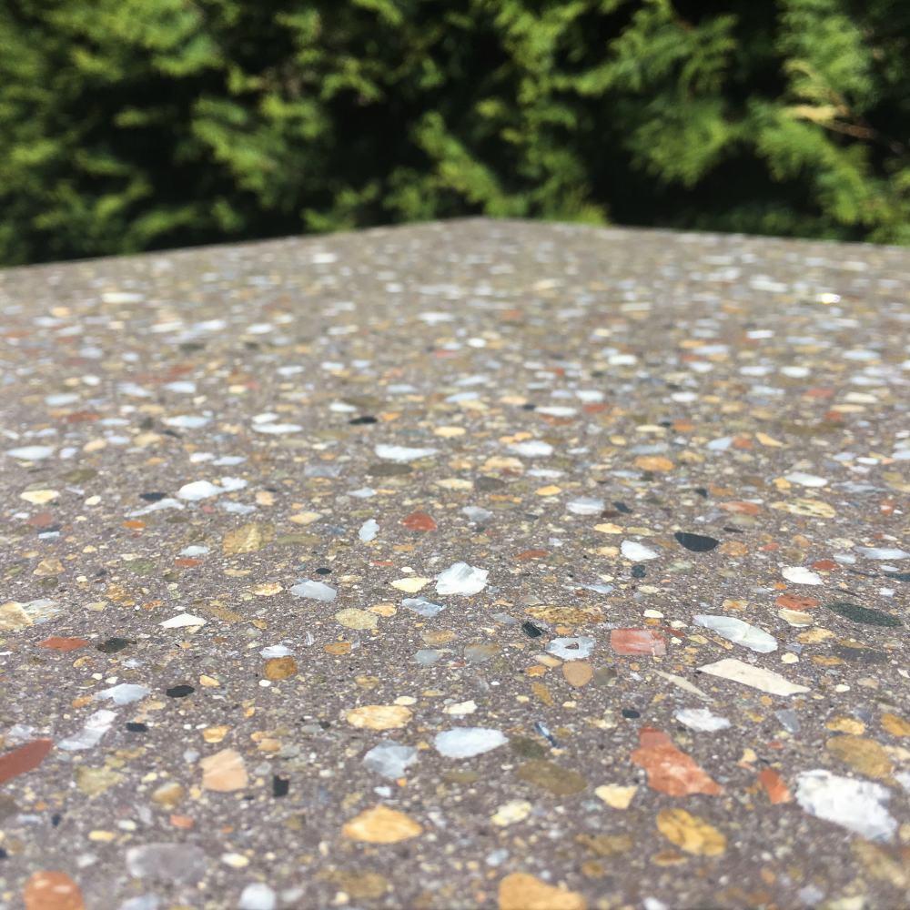 Образец плитки Терраццо Dark Brown - приближенный вид в сухом состоянии